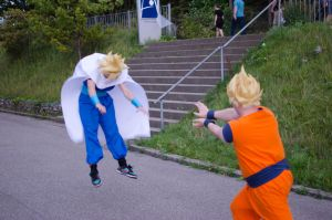 Father and Son fight. Gohan and Goku ss1 Cosplay by XRallemangafreak