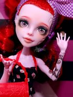 Monster High Operetta repaint by AshGUTZ