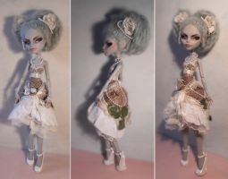 Custom Monster High - Rococo Ghoulia by Kayke