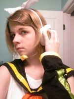 Rin Kagamine cosplay by eeveelover893