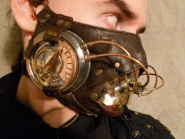A steampunk breathmask MK II by ChanceZero