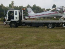 Plane on truck by shok75