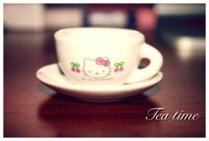 Tea Time by bhere