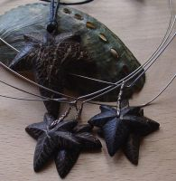 Coconut Ivy pendants by entanglement