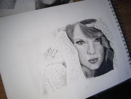 Taylor Swift by BrittanyAnnxOx