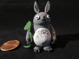 Tiny Totoro by Quiscula