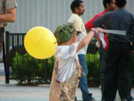Boy with Balloon by baineteo