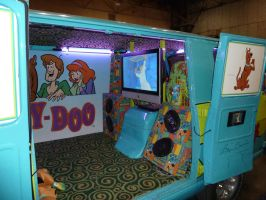 Inside the Mystery Machine by nx20