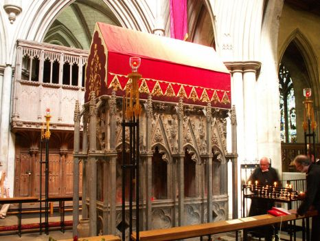 Shrine of St Alban by faeriesoph