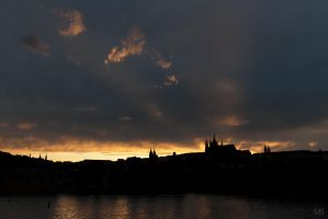 Sunset over Praha Castle by Yupa