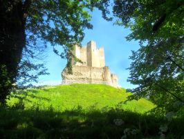 Conisbrough Castle 1 by cannibalmoth
