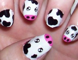 Bessy The Moo Cow! by HideTheKnives