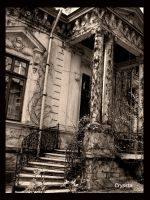 old house by Cryssta
