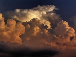 Strom clouds8 by Nipntuck3