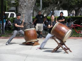 Taiko Drummers at USC Hahn Central Plaza by rlkitterman