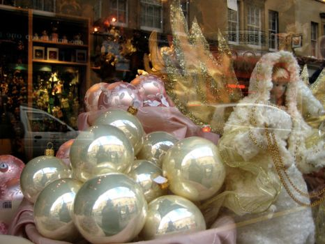 Christmas Window by tamh