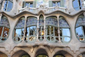Casa Batllo's window by jmbtech