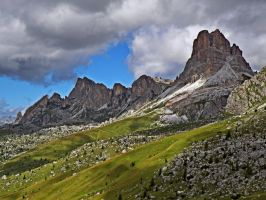 Mountains and clouds by Sergiba