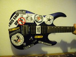 this awesome guitar, a la Blue by leomessi111
