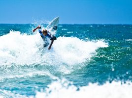HB Surfing 2 by BertLePhoto