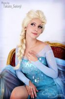 The snow Queen - Frozen Cosplay by Eressea-sama
