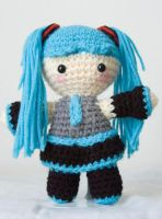 Miku Amigurumi 2.0 by pirateluv