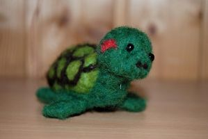Needle felted painted turtle by Pawkeye