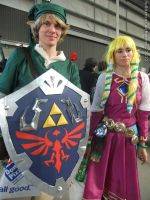 Supanova 2012 - Link and Princess Zelda 2 by fulldancer-alchemist