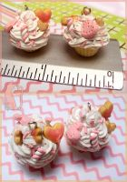 Pink and White Deco Cupcakes by Talty