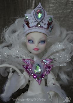 Snow White Monster High Ooak 01 by RinaKirishima