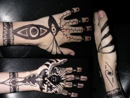 Full Hand sharpie tattoo by Darrogath