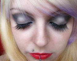 Diva Makeup Glam Girl Tutorial by cherrybomb-81