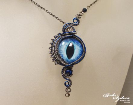 Silver and blue dragon eye necklace by bodaszilvia