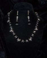 Jet skulls necklace set by lilibat