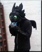 Toothless Cosplay - My Fish ... ONLY MY FISH! by TheBandicoot