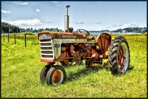IH FARMALL 240 by cokehead666