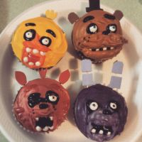 Five Nights at Freddy's cupcakes by kayochin