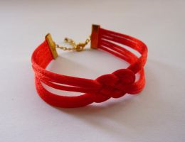 Red satin lace knot bracelet with gold chain by agarance