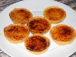 Creme Brulee Tartlets by Bisected8