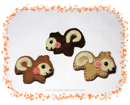 Squirrel Plush Brooches by Luna-Goodies
