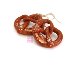 Pretzels Earrings by Metterschlingel