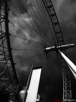 London Eye by Tiapolonia12