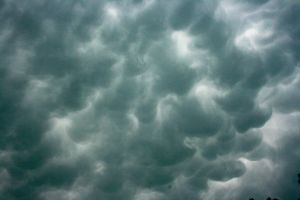 Mammatus Cloud Formation II by netta43