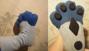 Michi - Foot Paws by Lyrehn