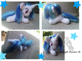Vinyl Scratch - Giveaway! by Whyte-Raven