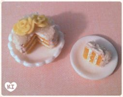 1:12 Miniature Yellow Rose Coconut Cake by kicat