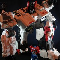Metroplex heeds the call of the last prime by Doubledealer93