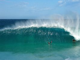 Heavy Wave by LouisStone