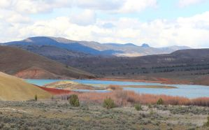 Painted Hills Oasis by lupagreenwolf