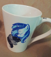 Vinyl Scratch and Octavia mug by Busoni